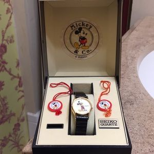Vintage WORKING Mickey Mouse Seiko watch